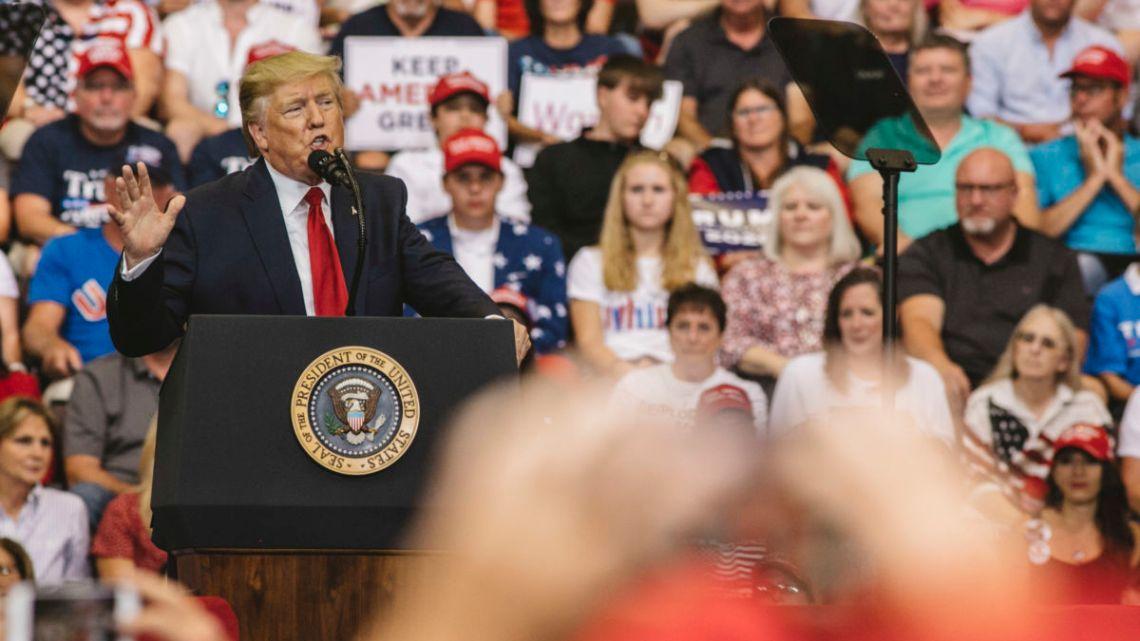 Trump-campagne met meer dan 2.000 advertenties Waarschuwing voor immigranten 'invasie' vóór El Paso