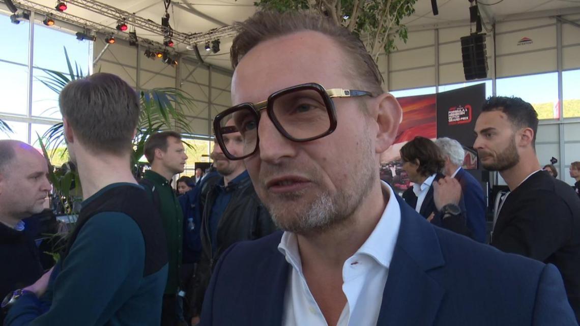 Strandtent 'Bernie's' van prins nooitgenoeg Bernhard overtreedt de regels
