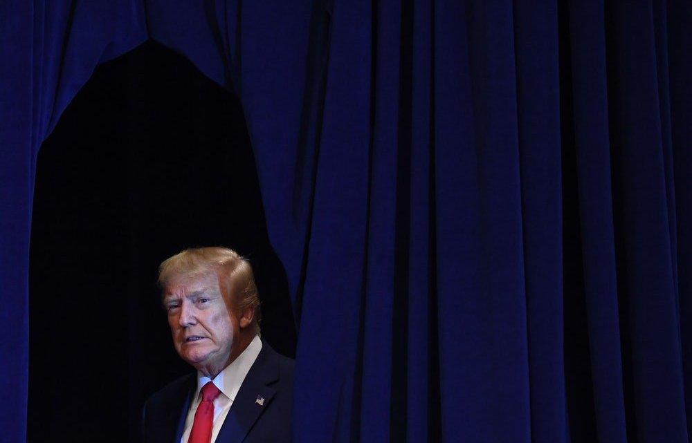 Democraten lanceren nieuw beschuldigingsoffensief nadat het Witte Huis weigert mee te werken