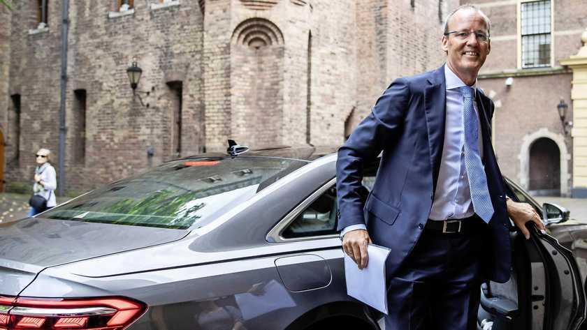 DNB-president Klaas Knot: DE WAARDE VAN ONS PENSIOEN DAALT VOOR SCHULDEN ITALIË