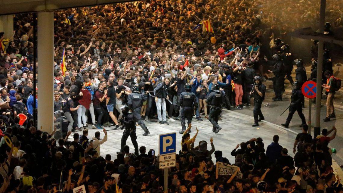 Weken lang demonstraties in Europa
