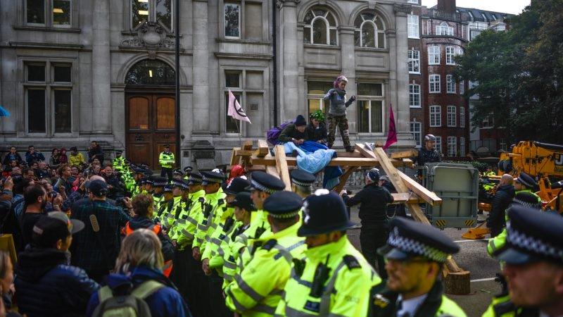 Extinction Rebellion dreigt met driedaagse blokkade van de luchthaven van Londen