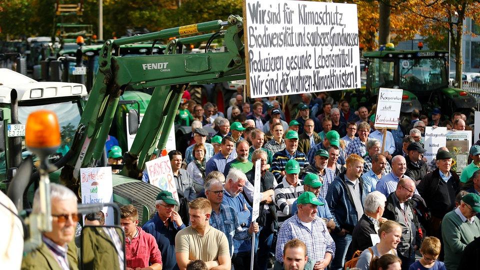 @Boeren revolutie in de EU: Nederlandse #boeren, Duitse boeren en Franse Boeren gaan de straat op