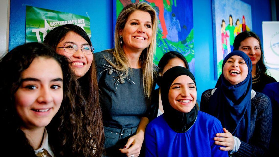 Politiek, koningshuis, prinses Mabel allemaal betrokken en hielpen bij het vestigen Islamstaat in Nederland