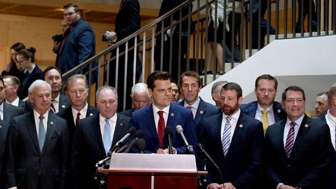 Republikeinen bestormen ondervraging achter gesloten deuren om te protesteren tegen onderzoek naar nationale wetgeving