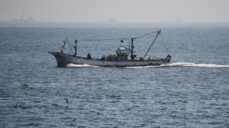 Spookschip aangespoeld met verschillende onthoofde lichamen aan de Japanse kust