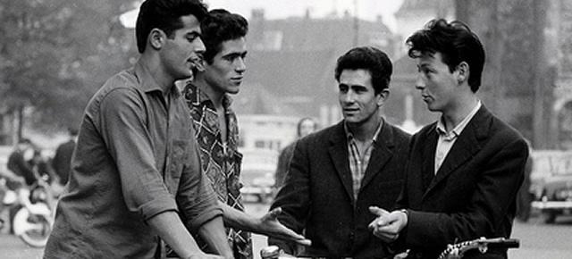 In 1963 kwamen de eerste gastarbeiders uit Zuid-Europa met het vliegtuig aan op Schiphol