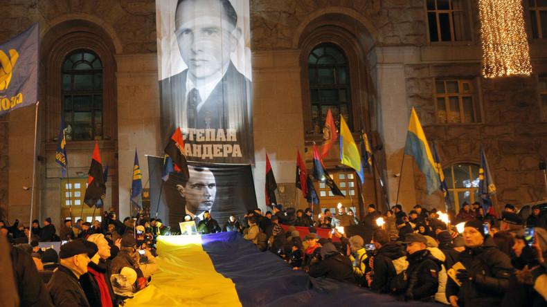 """""""Ernstige bedreiging voor de wereld"""" – Moskou veroordeelt de nazi-prijs in Oekraïne"""