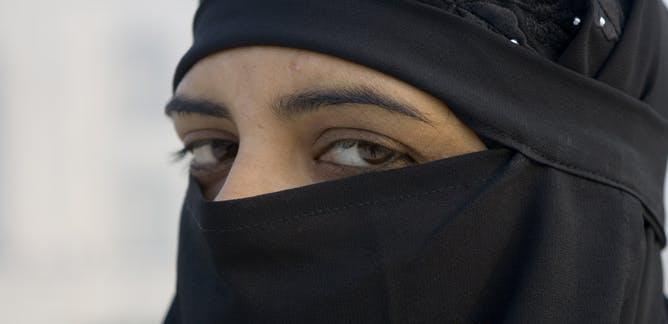 """De onbekende angst van een moslima""""Dit is hoe ik ontsnapte aan de volledige sluier en het salafisme"""""""