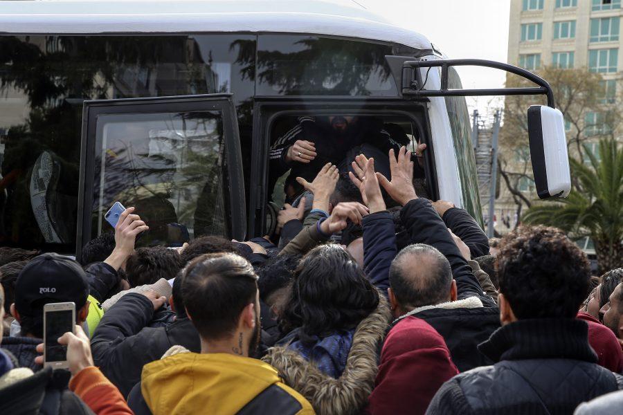 Na de aankondiging van Turkije Illegale immigratie: Griekenland stuurt oorlogsschepen