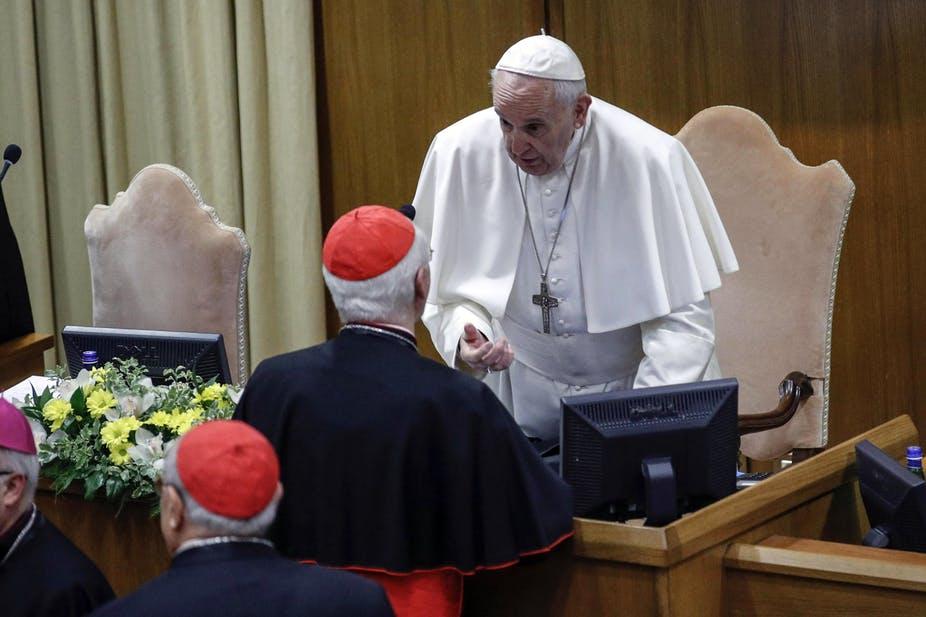 Katholieke onderzoeken zijn nog steeds in het geheim gehuld