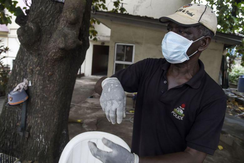 Coronavirus-uitbraak 'wordt groter' na geval Nigeria: WHO