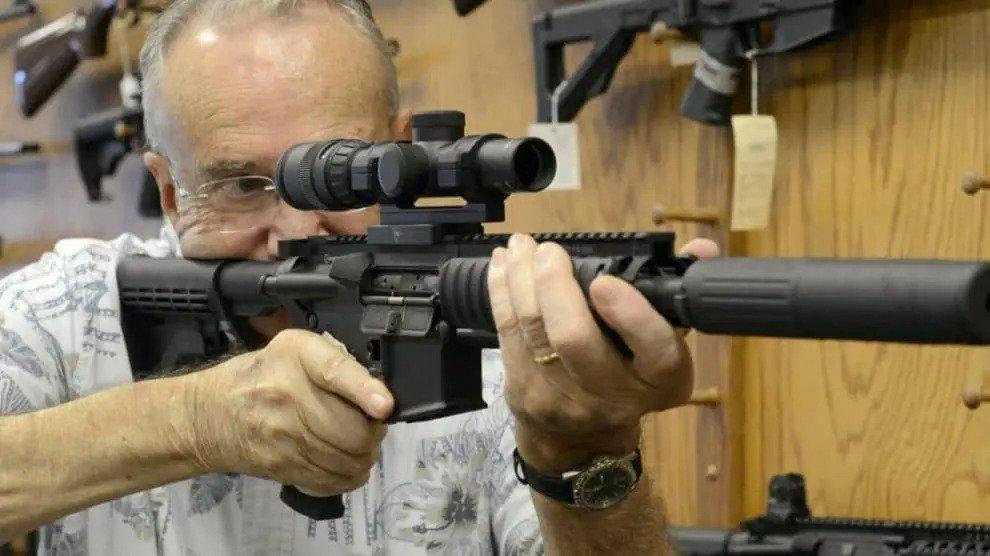 Rush to arms shops in Wenen: bewoners bereiden zich voor op de burgeroorlog