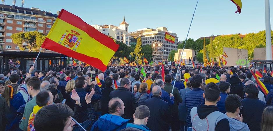 In Spanje zijn twee kanten naar voren gekomen: linkse politiek die de burgers wil helpen versus extreem-rechtse vox
