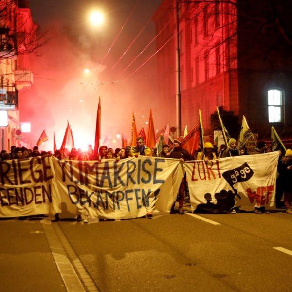 Een grimmige toekomst: hersteld neoliberalisme of hybride neofascisme?