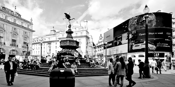 Een moskee op Piccadilly Circus? Fout, fout, fout!