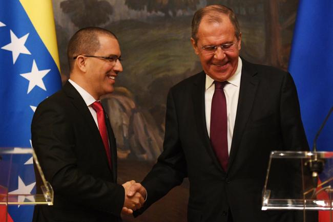 V-Day, Rusland zweert om 'regimeverandering' in Venezuela te voorkomen