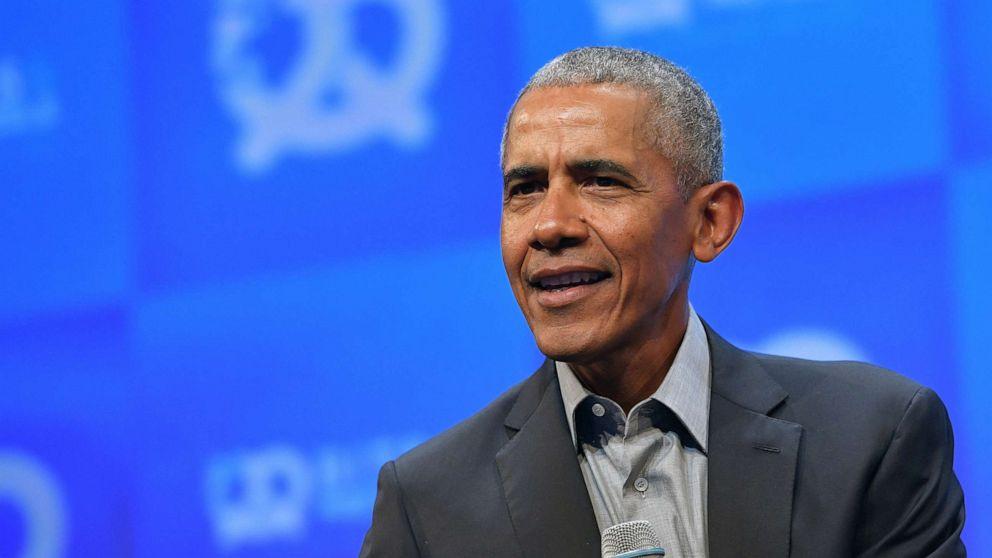 Obama beschuldigt Trump ervan te hebben geprobeerd de postdienst te 'knielen'