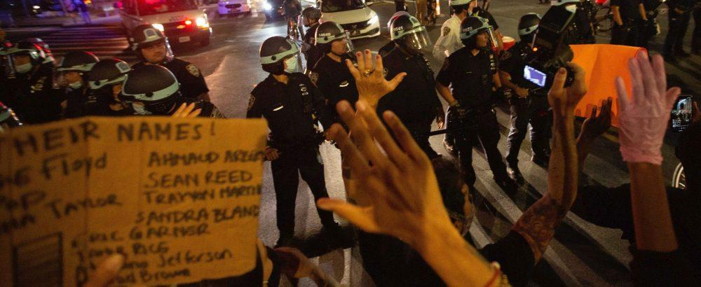Journalisten eisen een einde aan intimidatie na meer dan 100 aanvallen op de pers