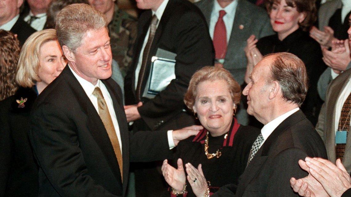 Bill Clintons Servische oorlogsmisdaden ontmaskerd in nieuwe aanklacht