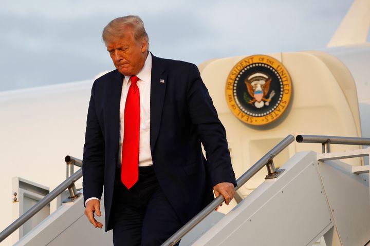 Trump wordt geconfronteerd met politieke tegenwind met verkiezingen 100 dagen weg