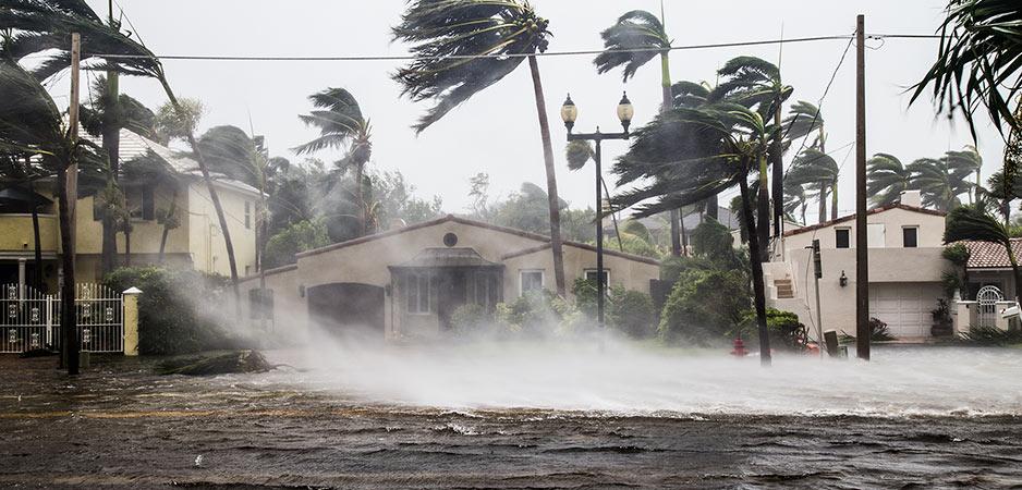 Wanneer COVID-19 en orkanen botsen