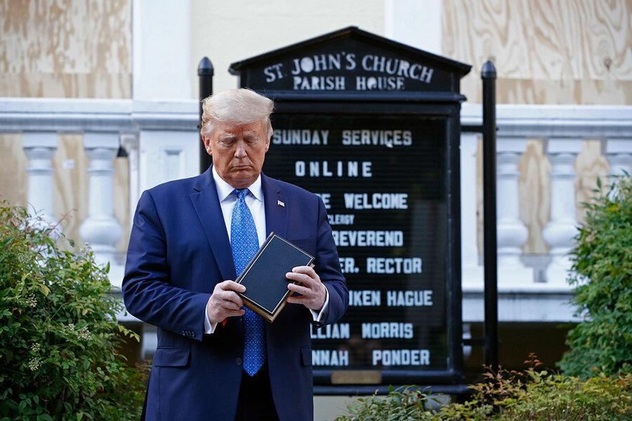 Trump doet een beroep op evangelicalen en gebruikt religieuze woorden en verwijzingen naar God in een hoger tempo dan eerdere presidenten