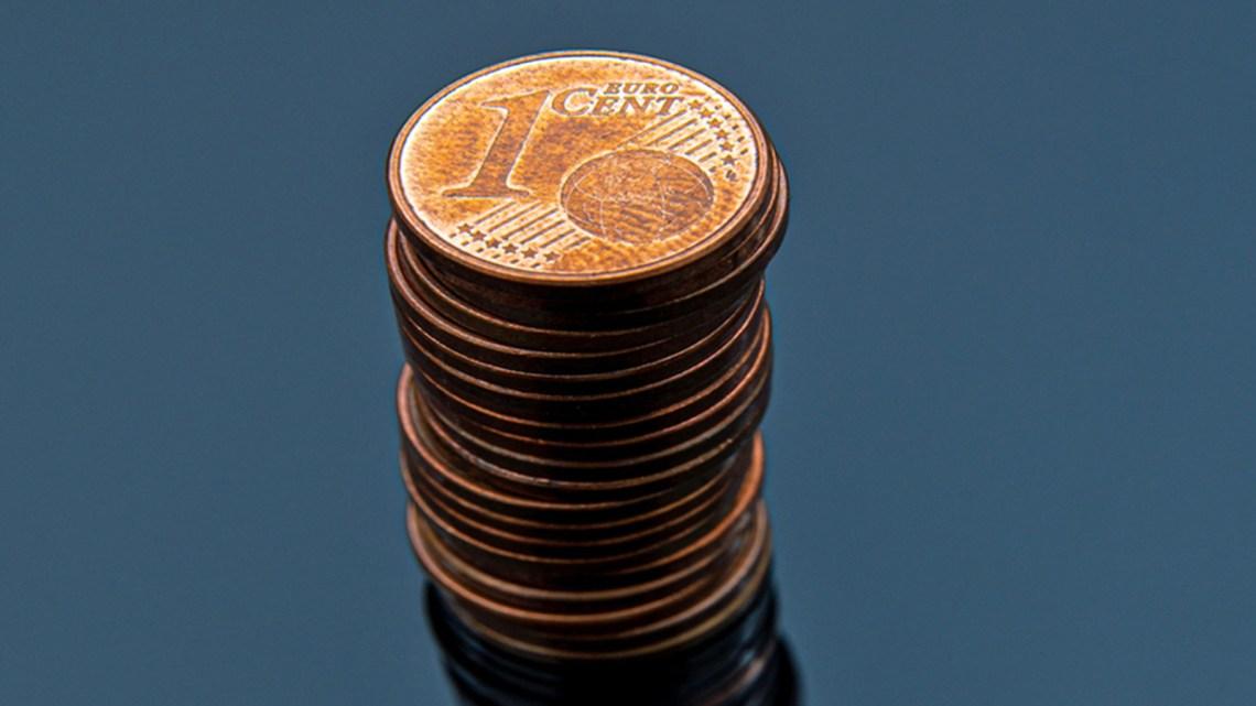 In de nasleep van de Corona-crisis wordt de afschaffing van contant geld massaal doorgevoerd