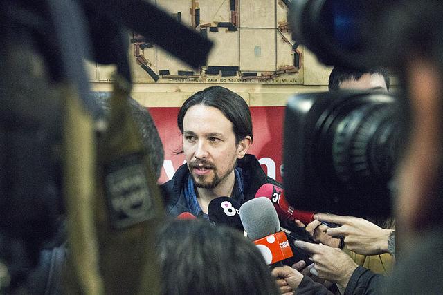 Zeven dolle jaren in het leven van Pablo Iglesias 15-M EN PODEMOS: OVER DE DYNAMIEK TUSSEN BEWEGING EN PARTIJ
