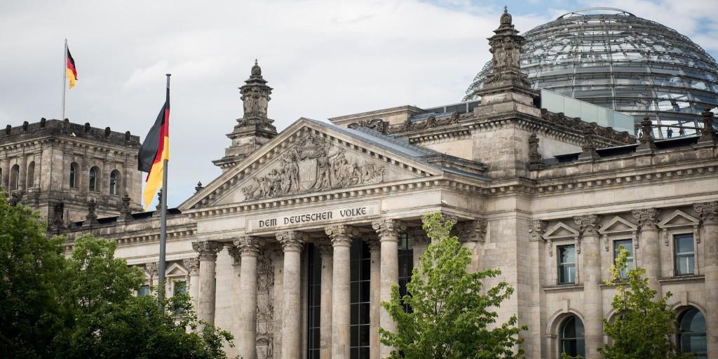 Totale zelfovergave: de Duitse Bondsdag is ontaard in een knikmachine