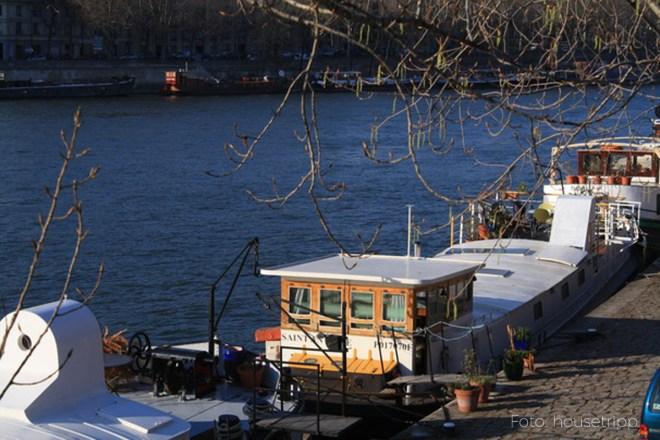 Immer noch ein Geheimtipp in Paris: Hausboot am Eiffelturm