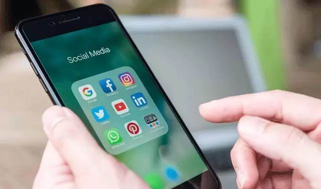 How to Get Rid Of Social Media Addiction in Hindi?