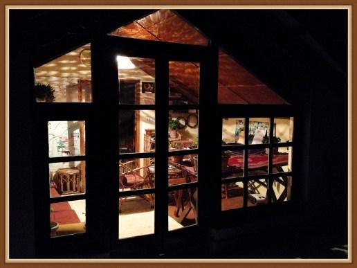 indoor-night-1b