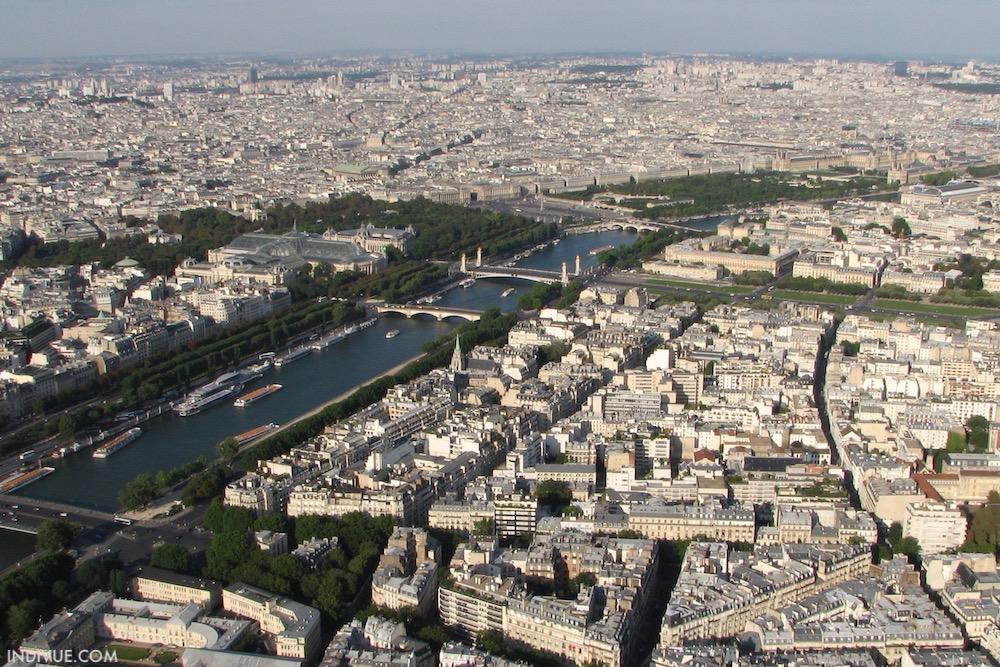 Näkymä Eiffel-tornista yli Pariisin