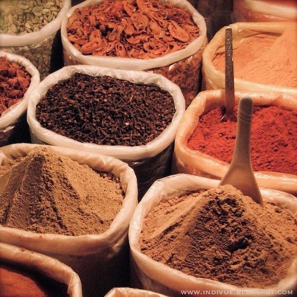 intialaisia mausteita