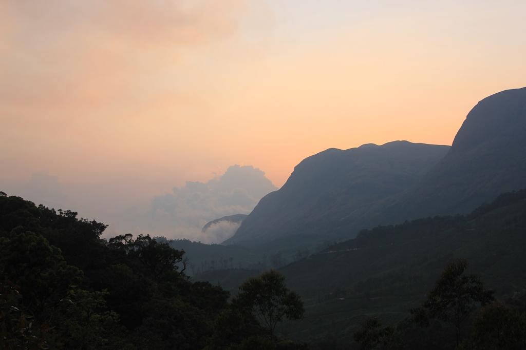 закат холмы