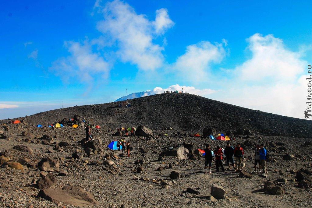 подняться на вулкан в Индонезии