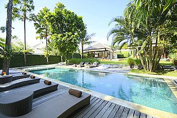 Peaceful 5 Bedroom Villa in PERERENAN
