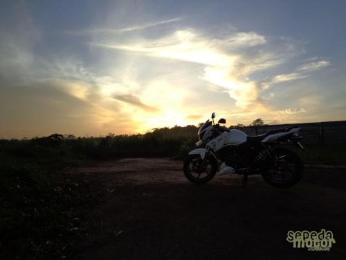 TVS Apache RTR 180 and sunrise