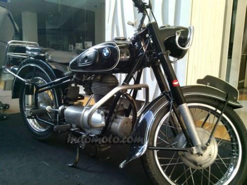 Motor antik BMW