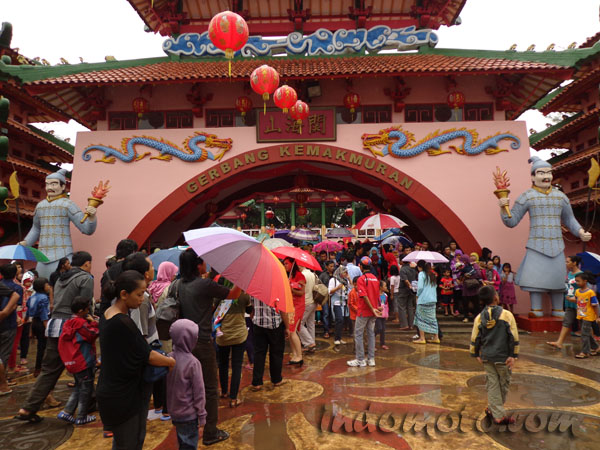 Kampung Cina, Kota Wisata, Cibubur