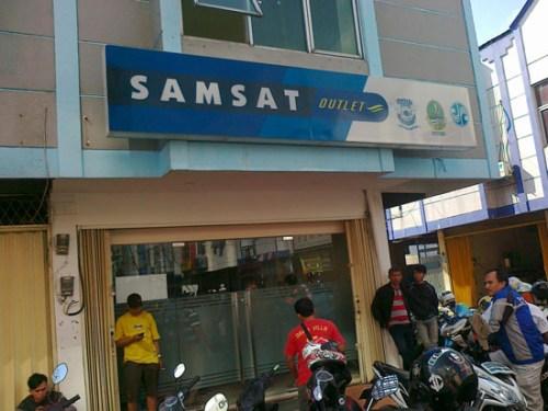 Outlet Samsat Cileungsi