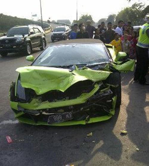 Lamborghini kecelakaan ancol