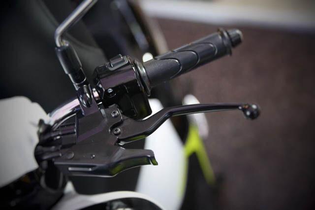fitur honda scoopy 2017 - combi brake system