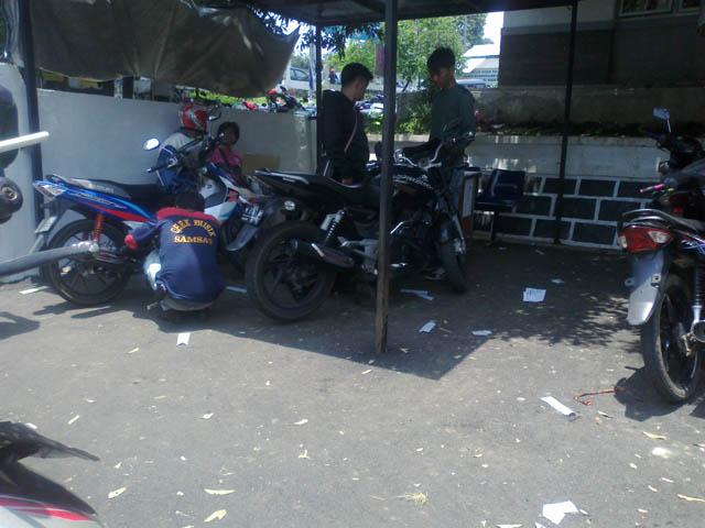 Cek Fisik Sepeda Motor Di Samsat Cibinong