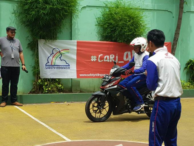 Kampanyekan program #Cari_Aman