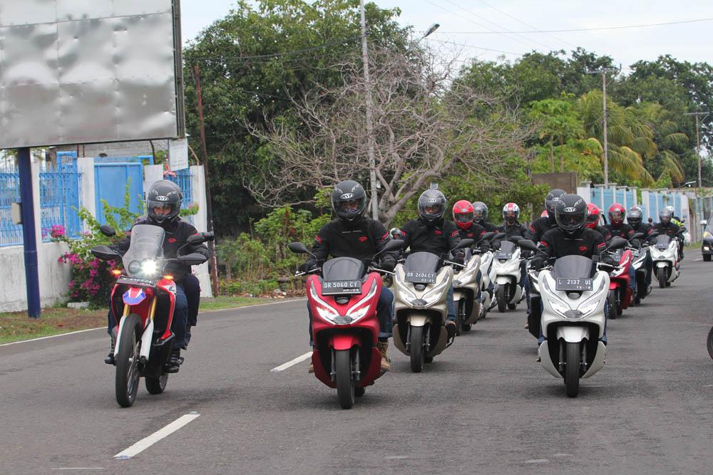 Honda PCX Touring Flores – Lombok – Bali
