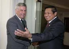 Pieter Feith and President Yudhoyono