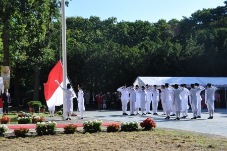 Flag hoisting ceremony (1)