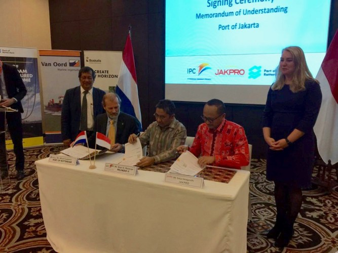 Tekenen MoU Port of Jakarta en Port of Rotterdam